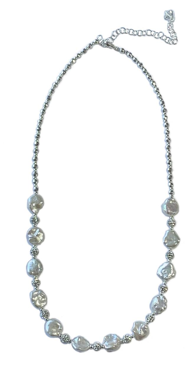 1901 Glittering Pearl Necklace